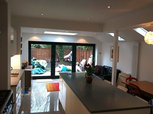 NEW KITCHEN IN THE EXTENSION…
