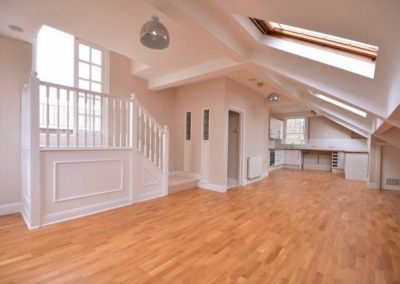 SPACIOUS LOFT FULL OF LIGHT…